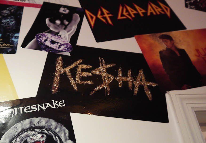 Zing Revolution Kesha Sticker