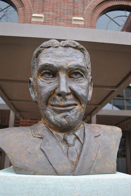 Tony Hinkle Statue