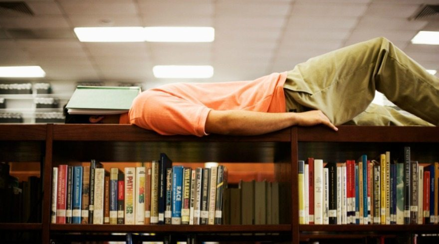 10 tips for staying awake while doing your reading homework