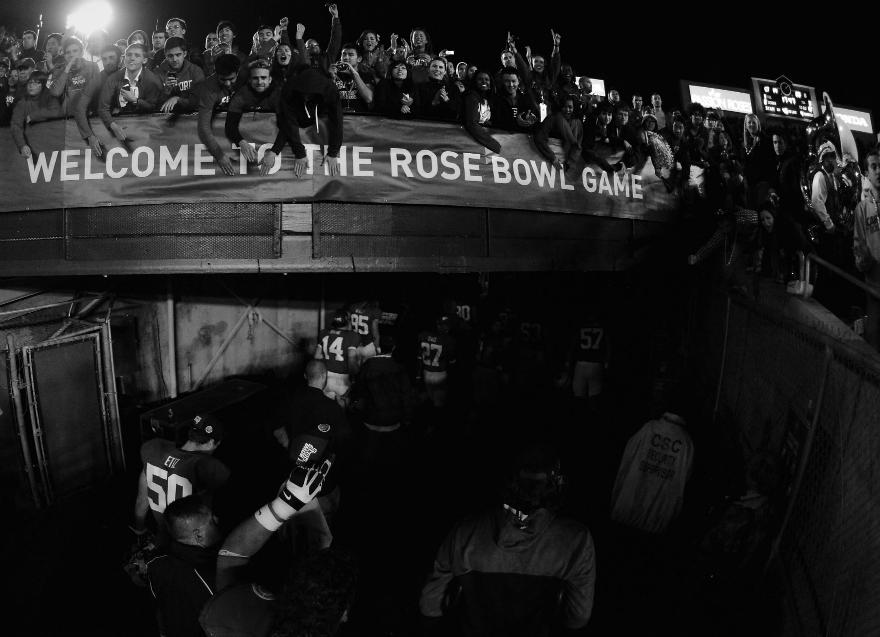 Rose Bowl Game Stadium Players Fans