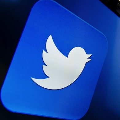 twitter accounts to follow