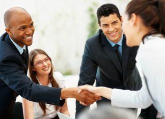 shaking-hands-internship
